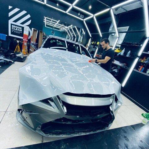 Оклейка зоны риска на Lexus ES