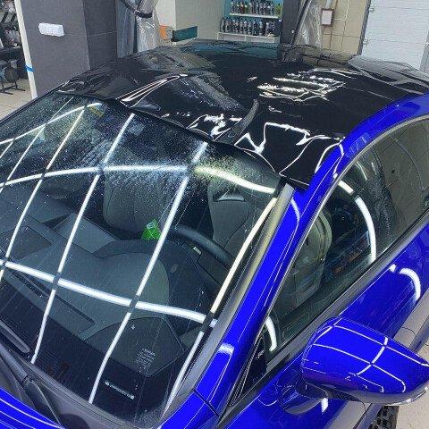 Оклейка крыши в черный полиуретан на Lexus RC F