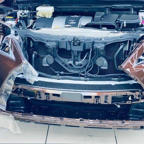 Процесс оклейки зоны риска Lexus Rx 300
